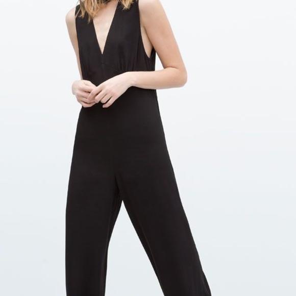 e721c6ae1d8 Zara V Neck Jumpsuit Pantsuit Hardware Wide Leg. M 5b7ecf340cb5aa15654891fc